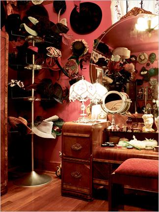 Celebrity boudoir dita von teese my little boudoir for Celebrity dressing room mirror