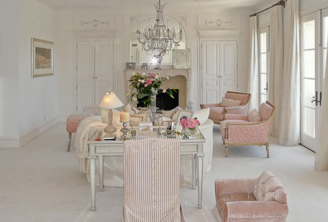 Home Tour Loving Lisa Vanderpump Real Housewives Of Beverly Hills The Decorista